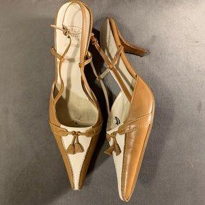 Joan & David Heel Pointed Toe Leather